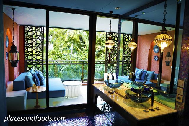 Marrakesh Hua Hin Resort and Spa bathroom