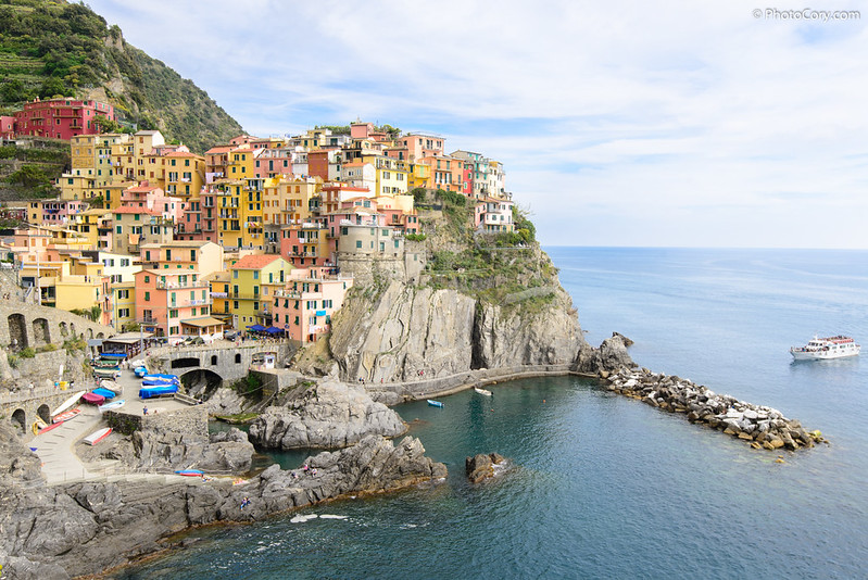 Cinque Terre, Manarola, postcard view with colored houses