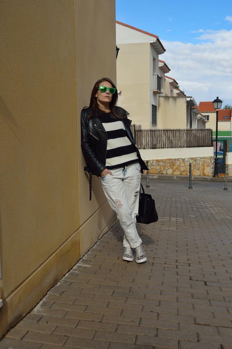lara-vazquez-madlulablog-fashion-b&W-attire