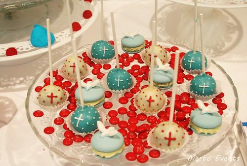 cakepops y macarosn cumunión Merbo Events