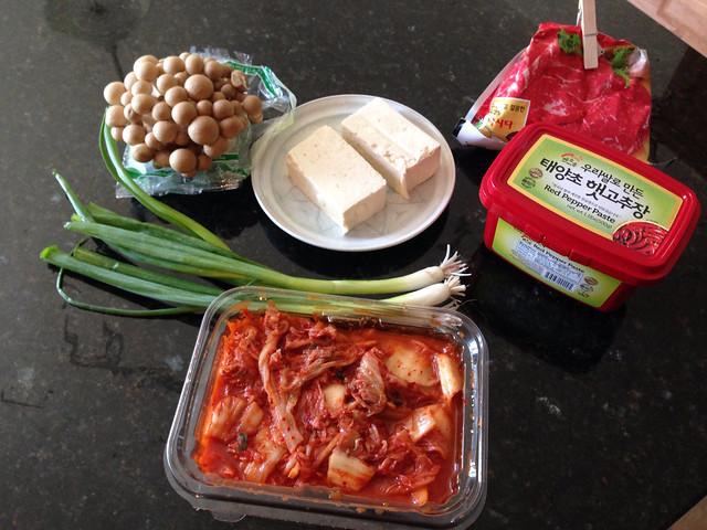 Kimchi jjigae ingredients