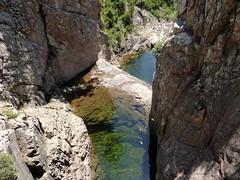 Le départ du canyon du Niffru avec sa brèche et son seuil rocheux