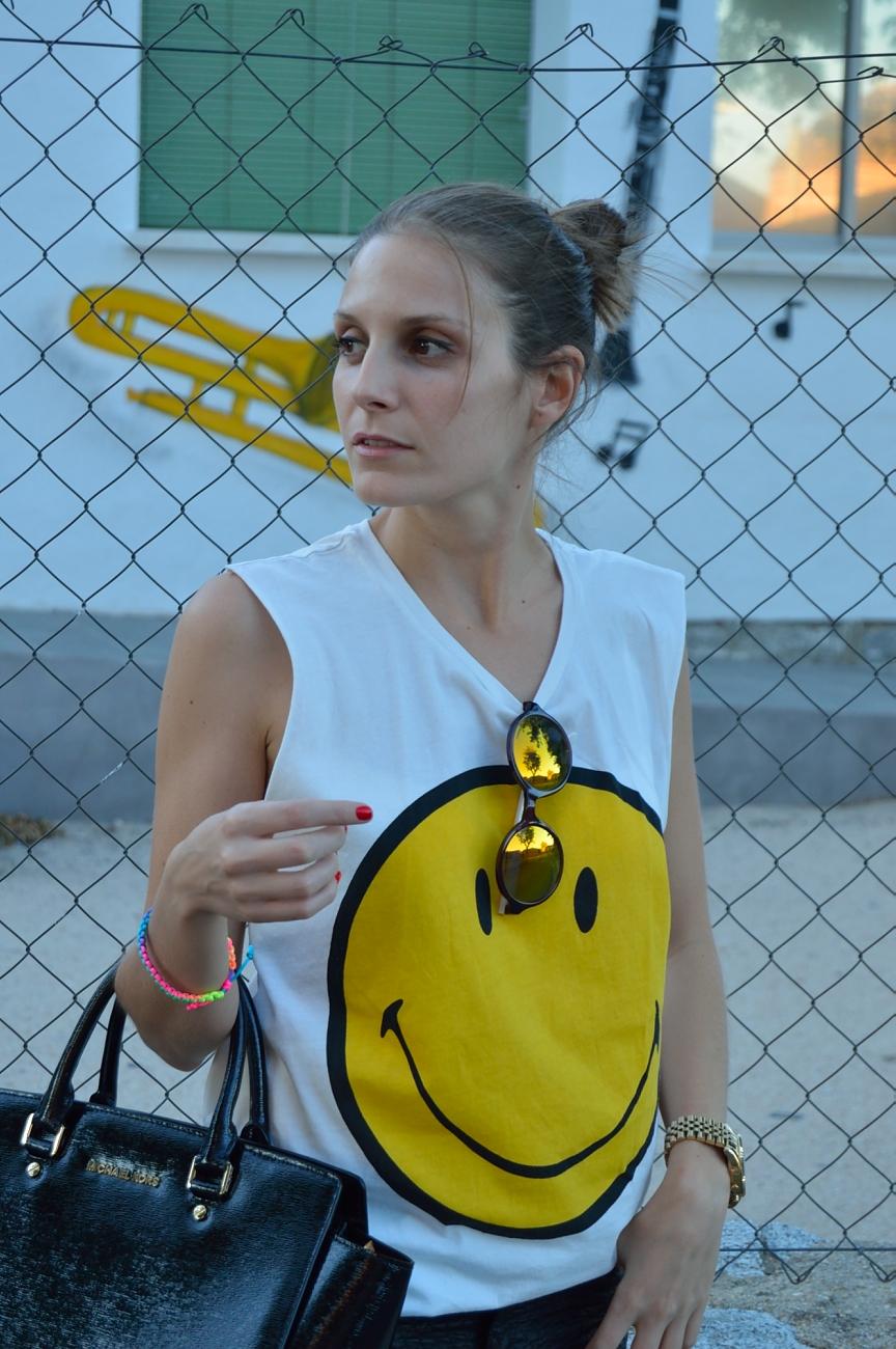 lara-vazquez-madlula-fashion-trends-smiley-summer