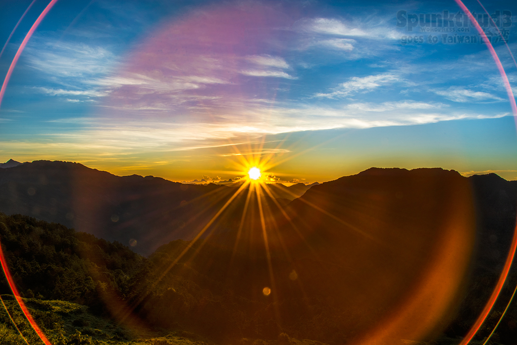Sunrise at Hehuanshan