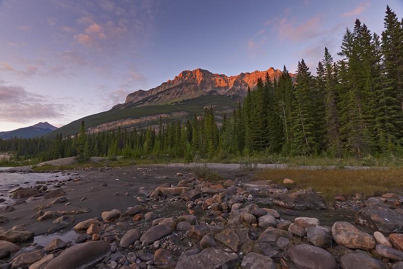 Sunset Mount Kerkeslin - Jasper National Park