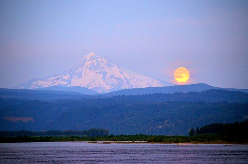 columbiariver moonrise mthood camaswashington supermoon july122014