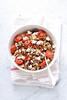 Insalata di lenticchie e riso integrale con pomodori arrostiti