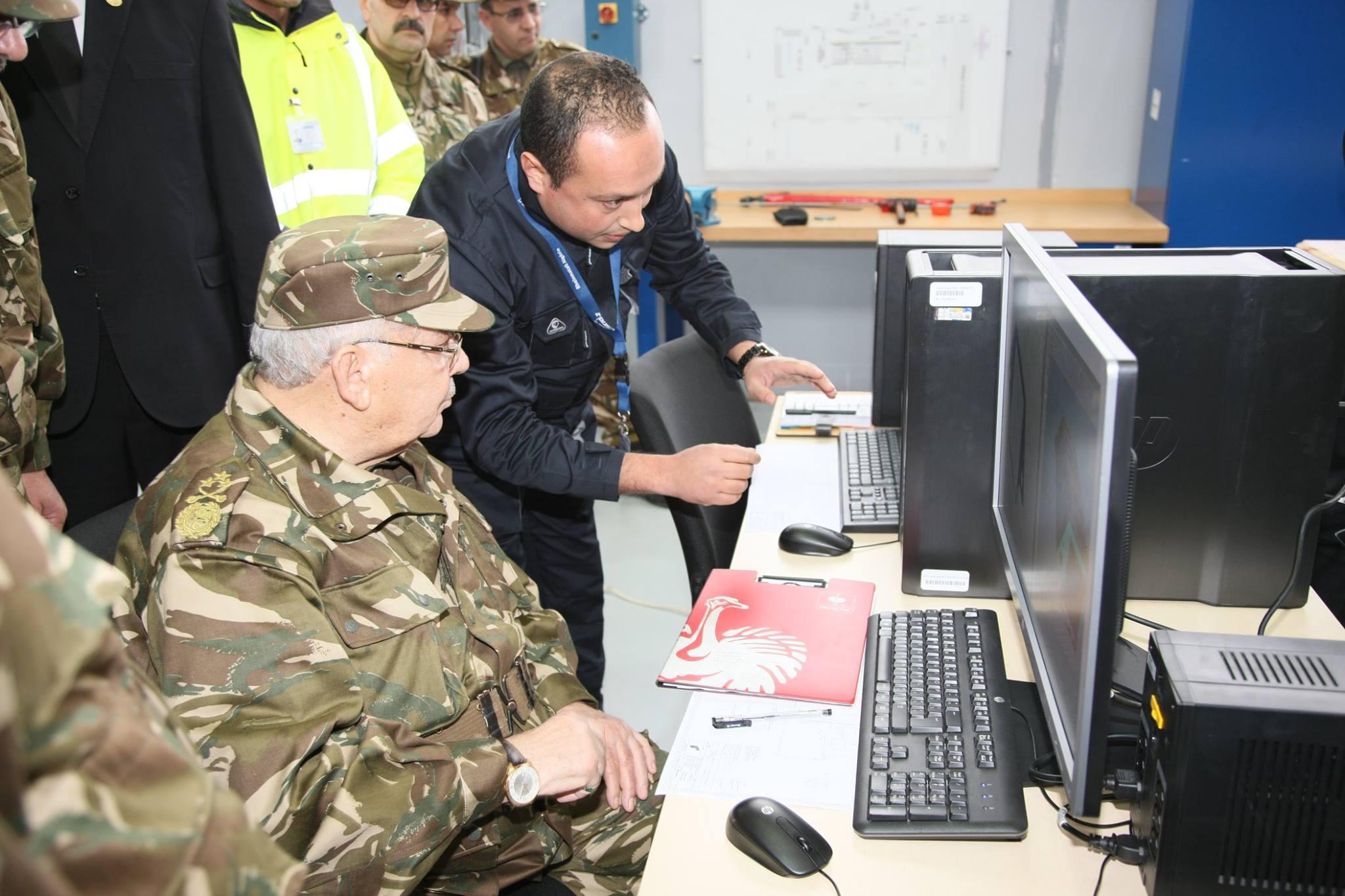 الصناعة العسكرية الجزائرية ... مدرعات ( فوكس 2 ) - صفحة 6 32745374520_d867a3f906_o