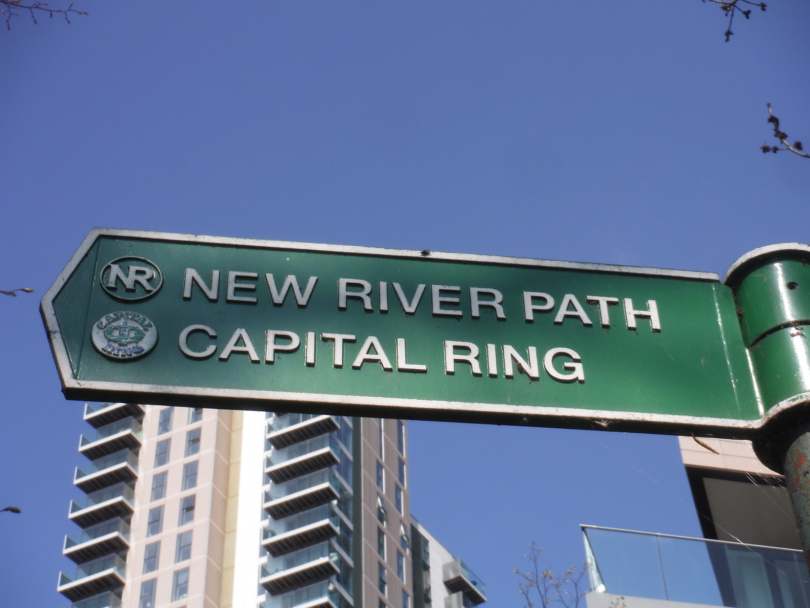 New River Path and Capital Ring Signpost SWC Short Walk 26 - Woodberry Wetlands (Stoke Newington Reservoirs)