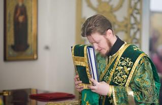 Литургия в Воскресенском соборе 330
