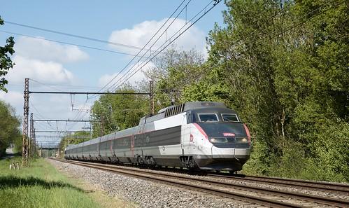 TGV Sud Est 74