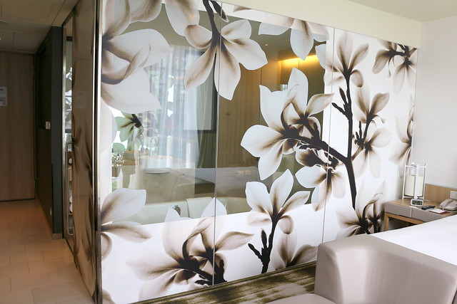 Love the bathroom glass flower motifs