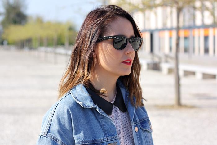 denim_jacket-dots_dress-black_boots-zara_jacket-street_style-outfit