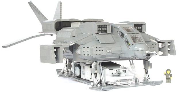 Aliens Dropship With APC