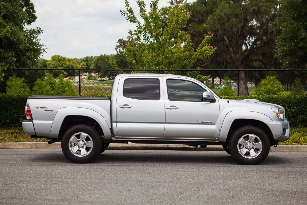 2013 toyota tacoma dcsb trd sport 4x4 silver only 13 000. Black Bedroom Furniture Sets. Home Design Ideas