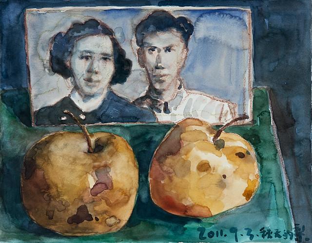 毛旭辉-两个梨和父母的照片-32×41cm-纸本水彩-2011