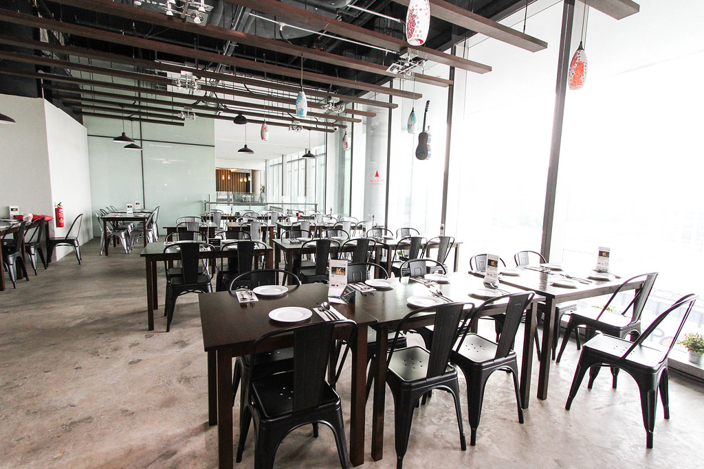 Orchard Central Food: Milagro Spanish Restaurant's Interior