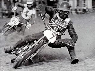 115- Reg Luckhurst leading John Britcher