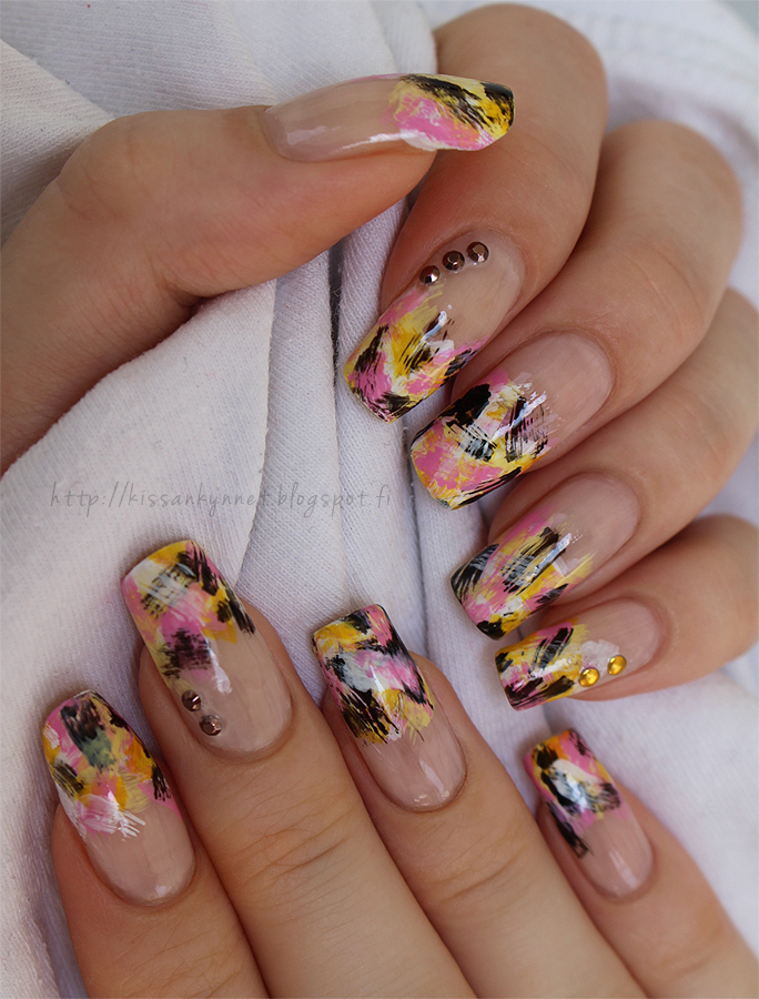 Distressed_summer_nails