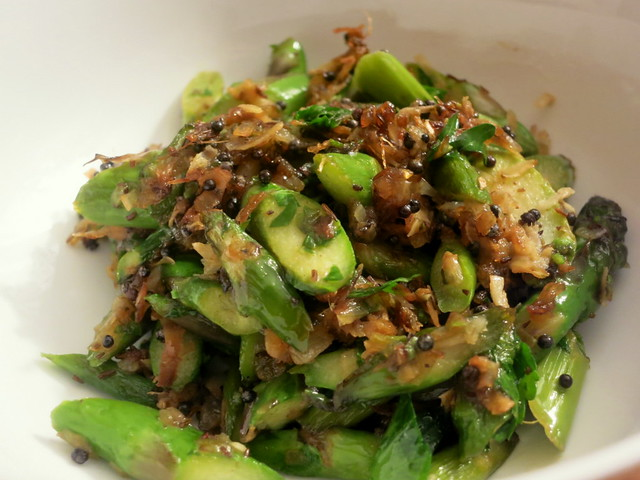 Asparagus with coconut and cardamom