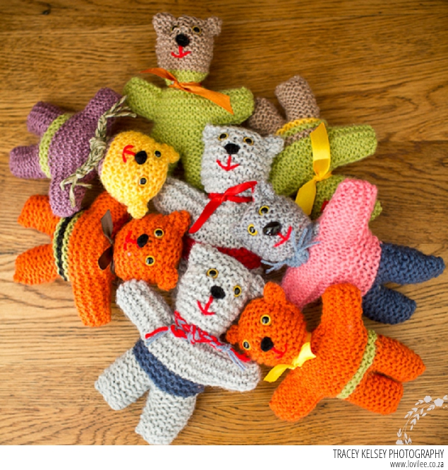 soft toy DIy - teddy bear knitting pattern