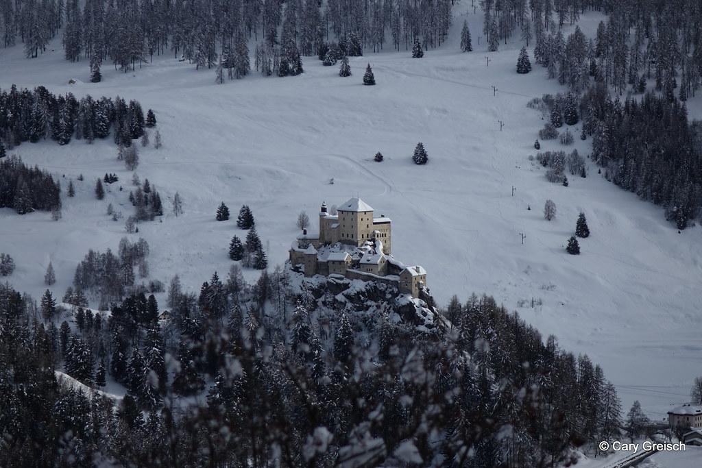 Castillo de Tarasp nevado