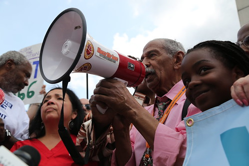 John Conyers speaks at detroit water rally