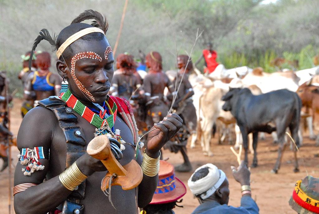 Ethiopia-Omo valley-Hamer tribe-bull jump