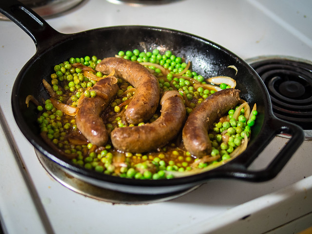 How to Cook Sausage on the Stove