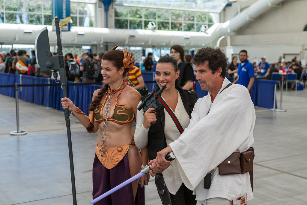 Jedi gender mashup and slave Leia SDCC 2014
