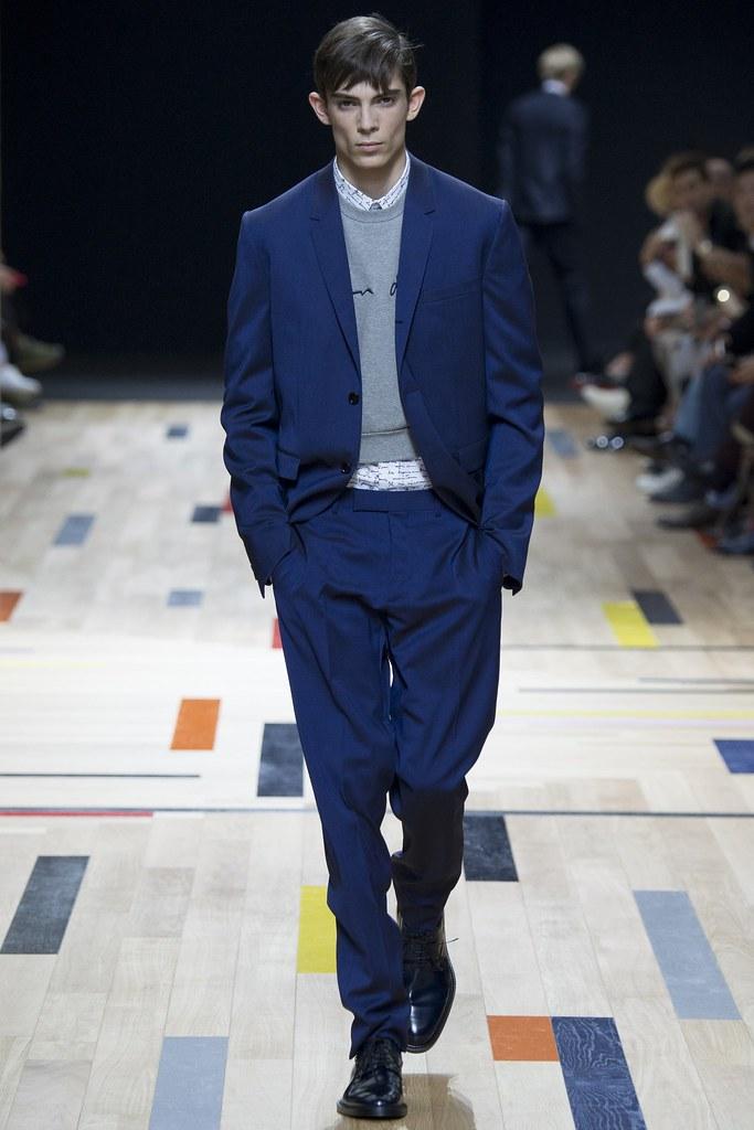 SS15 Paris Dior Homme015_Matthieu Gregoire(VOGUE)