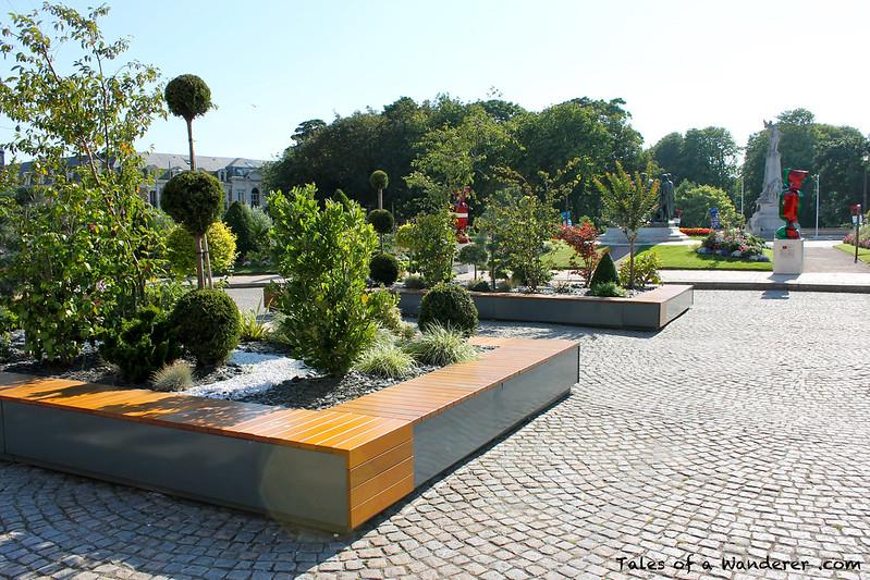 CALAIS - Place du Soldat Inconnu