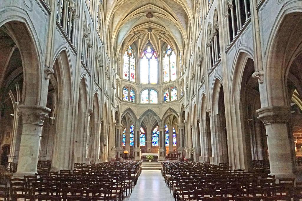 Interior de Saint-Séverin de París
