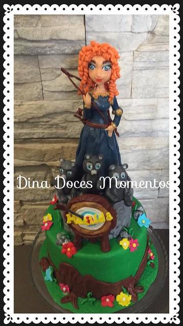 Cake by Dina Vinagre of Dina Doces Momentos