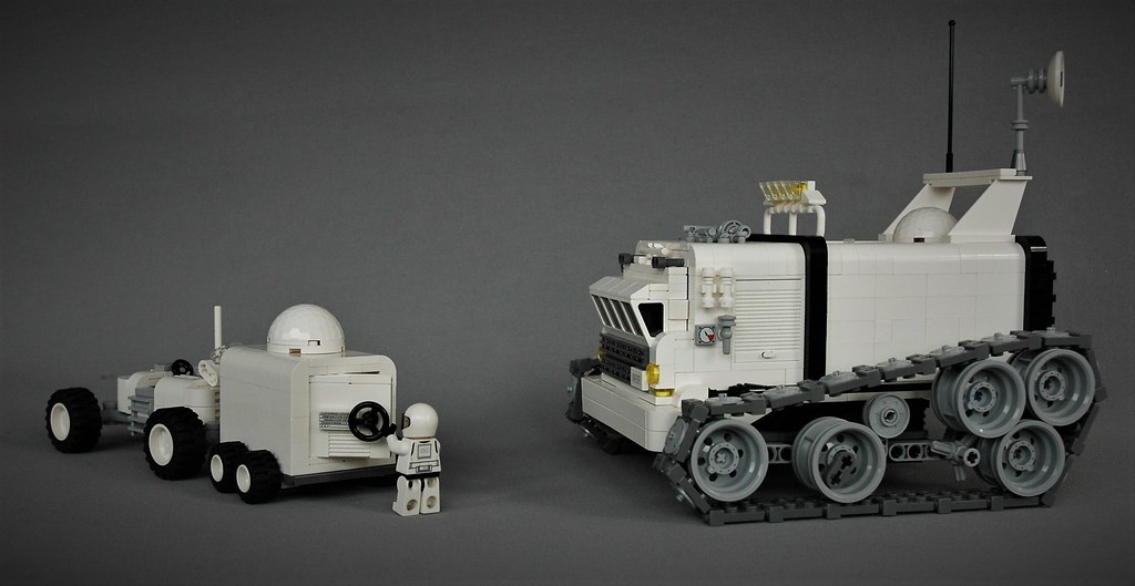 Mars exploring (custom built Lego model)