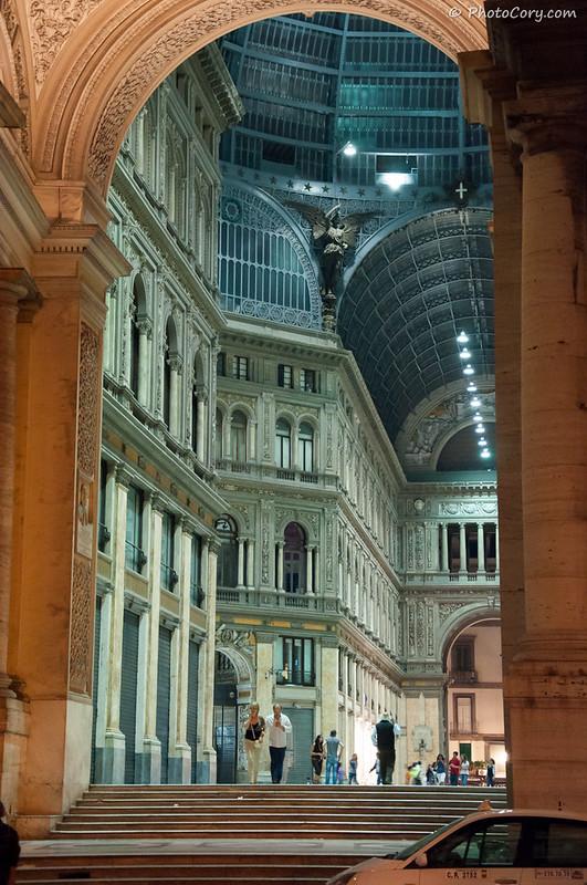 Galeria Umberto, Napoli