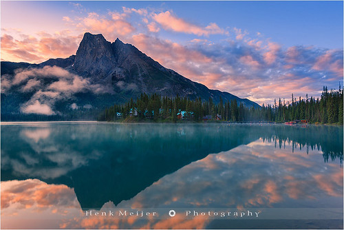 "cloud mountain lake canada reflection nature water clouds sunrise canon reflections landscape reflecting landscapes britishcolumbia lodge np emerald meijer henk emeraldlake yohonationalpark floydian canoneos1dsmarkiii henkmeijer ""wrapping"