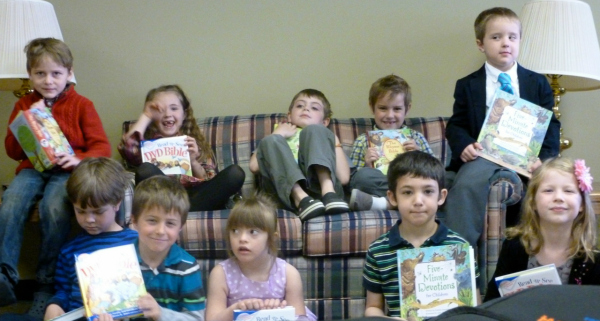 Current Kindergarteners with their gift books