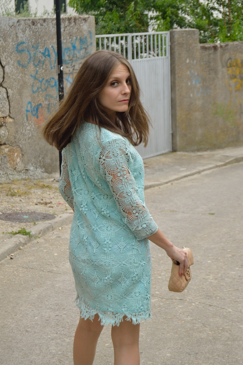 lara-vazquez-madlula-blog-lace-mint-dress-chic