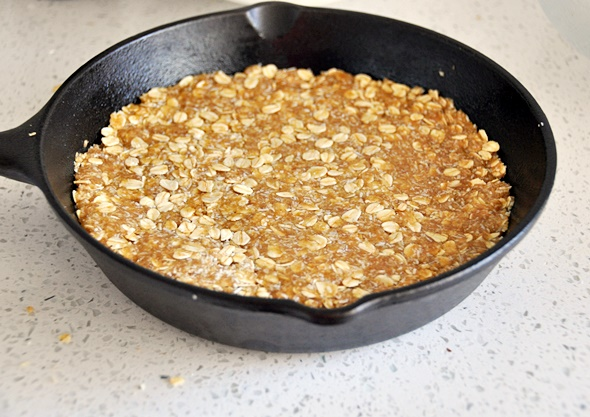 Skillet Olive Oil ANZAC Biscuit | www.fussfreecooking.com