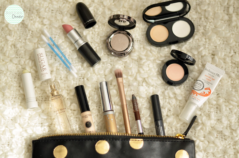 whats in my makeup bag work refresh before going out rottenotter rotten otter blog