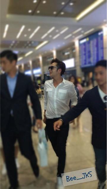 [Pics-2] JKS returned from Beijing to Seoul_20140427 14035143145_99c2d4d7fe_z