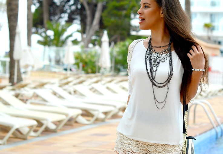 DSC_2341 All white outfit, ibiza, statement necklace