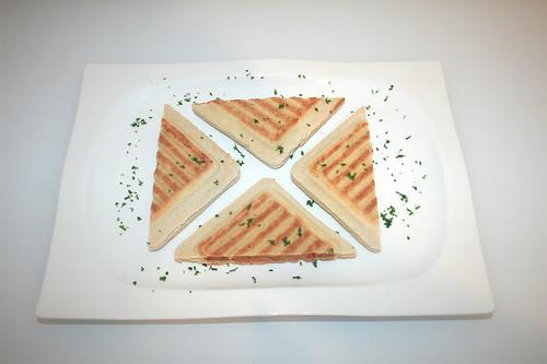 08 - Hochland Toast it! - Serviert / Serviert
