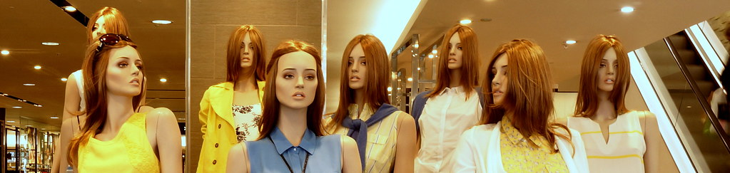 Mannequins at work