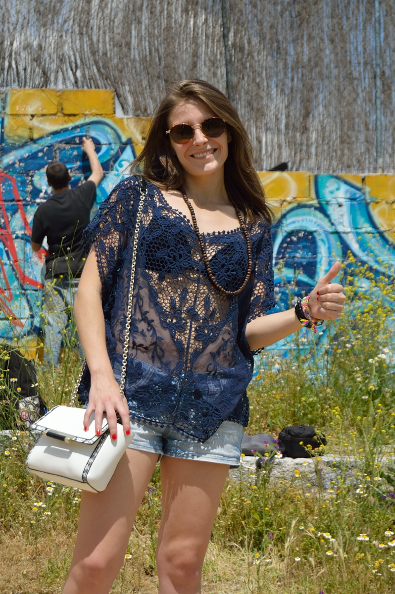 lara-vazquez-madlula-blog-style-graffiti-lace-look