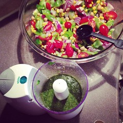 Summer pesto salad