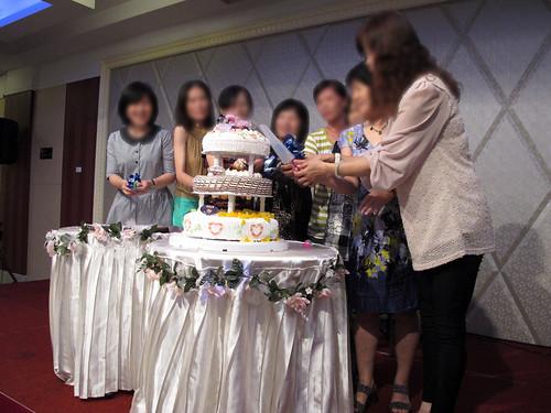 台南商務會館 母親節活動-請媽媽們一起上台切蛋糕49