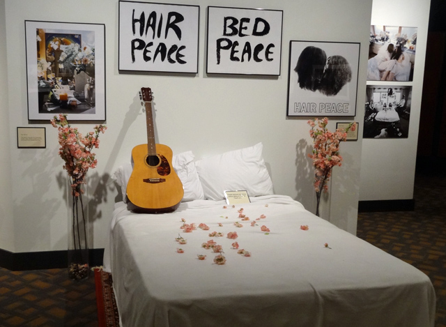 john-lennon-yoko-bed-peace