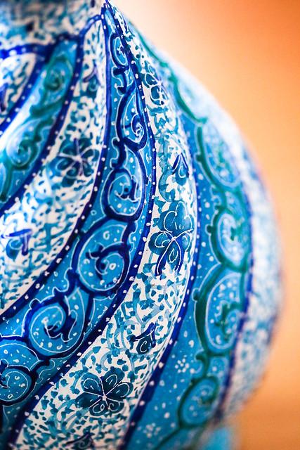 Persian decorative Meenakari flower base イスファハンで買ったミーナー・カーリーの花瓶